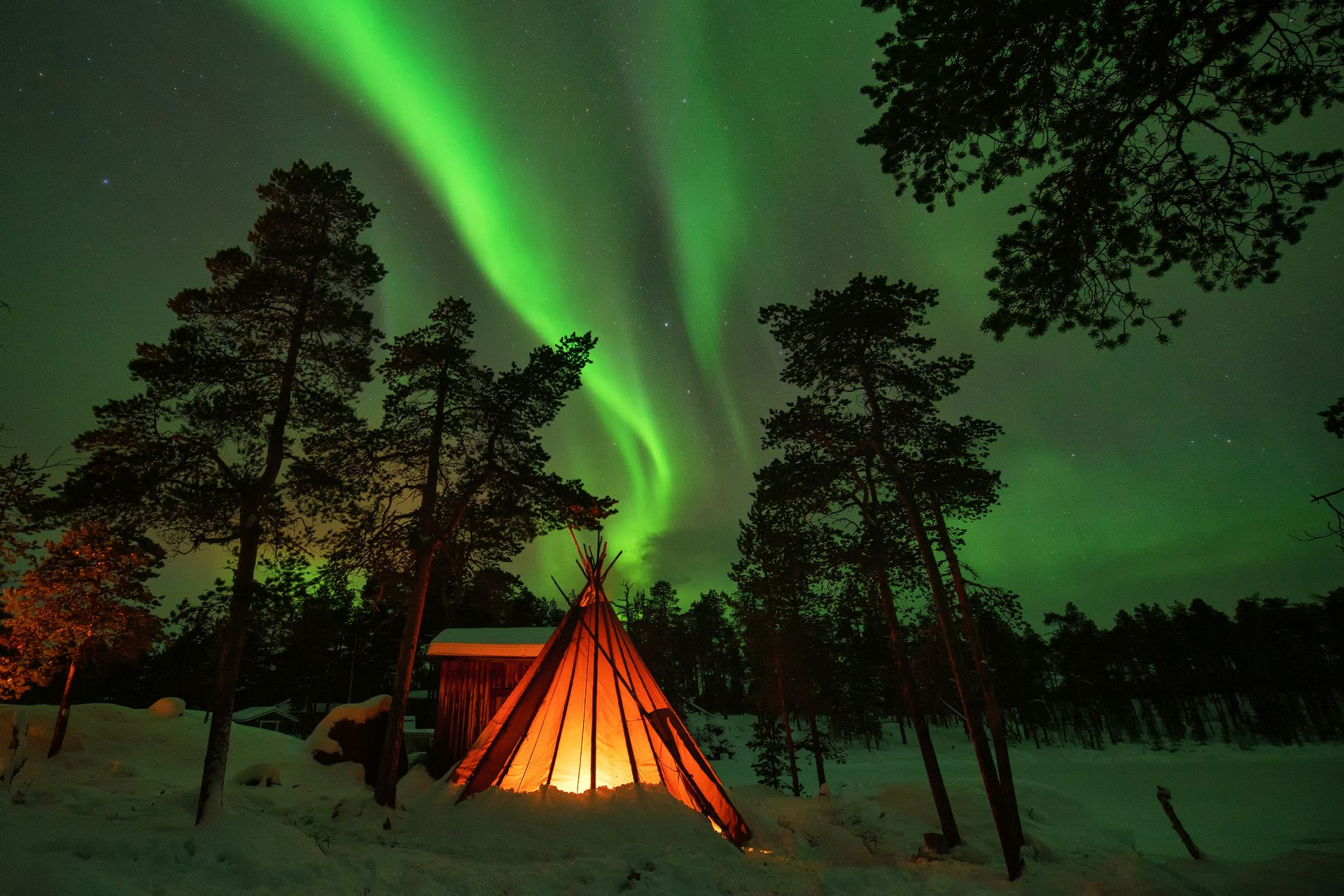 Finnish Kota, Hut, Aurora, Northern Lights, Finnish Lapland, Finland, nightscape photography, long exposure, nigth, earthporn
