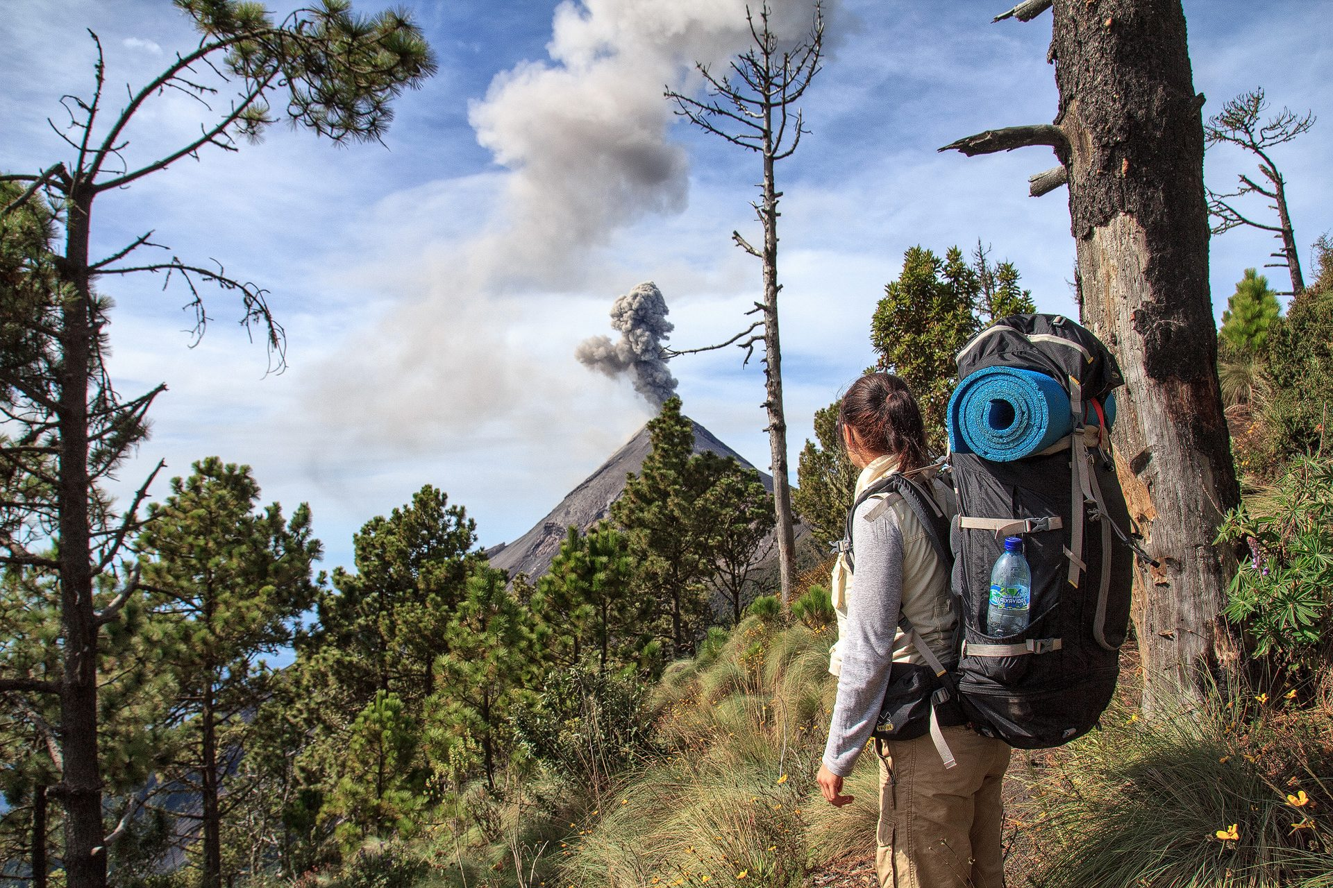 adventure, vulcan, volcano, vulkan, fuego, guatemala, hiking, wandern, trekking, girl, backpack, erruption, ash, explosion, eruption